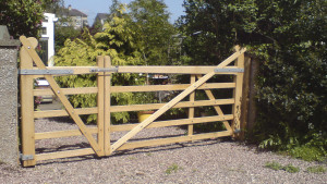 Bespoke Made to Measure Estate Gates UK