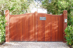 Wooden Made to Measure Courtyard Gates - Double Courtyard Gates