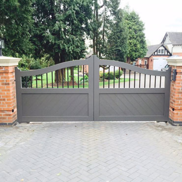 Wooden Driveway Gates Made to measure