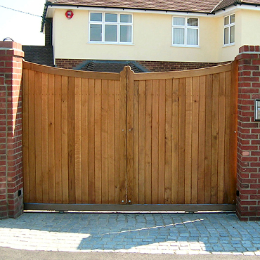 Courtyard Gates, Made to measure UK