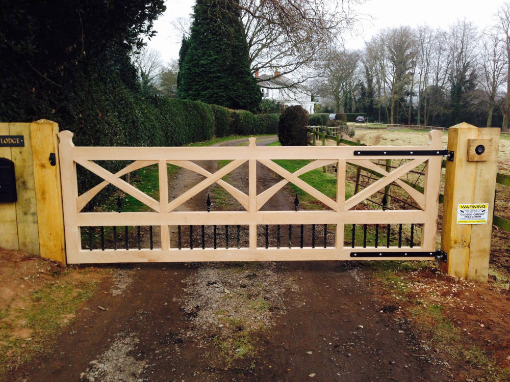 Bespoke Oak Wooden Gate UK