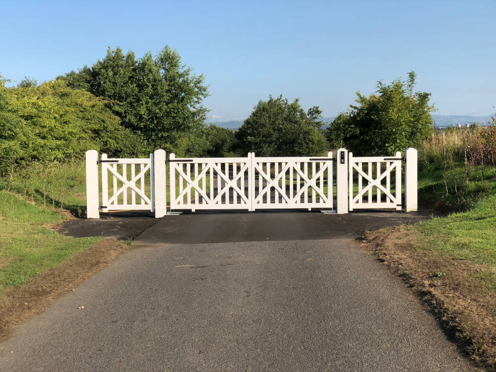 Prestige Wooden Gate Bespoke Made in Wales